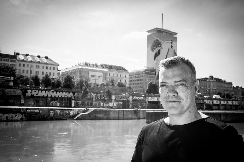 Artist, Vienna, Wien, Ringturmverhüllung