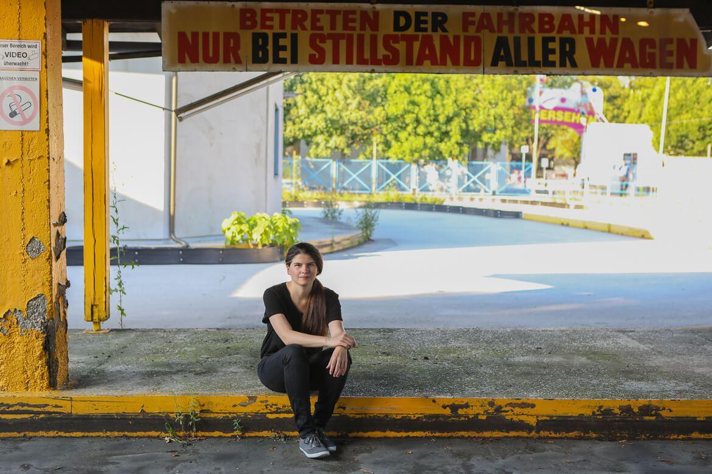 Monja Art, Regisseurin,  Drehbuchautorin, Siebzehn