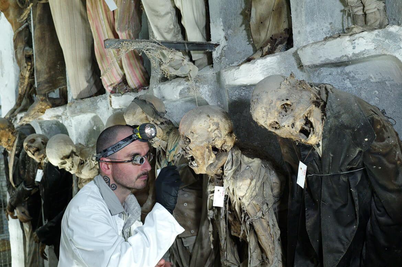 Mark Benecke besuchte die Mumien von Palermo